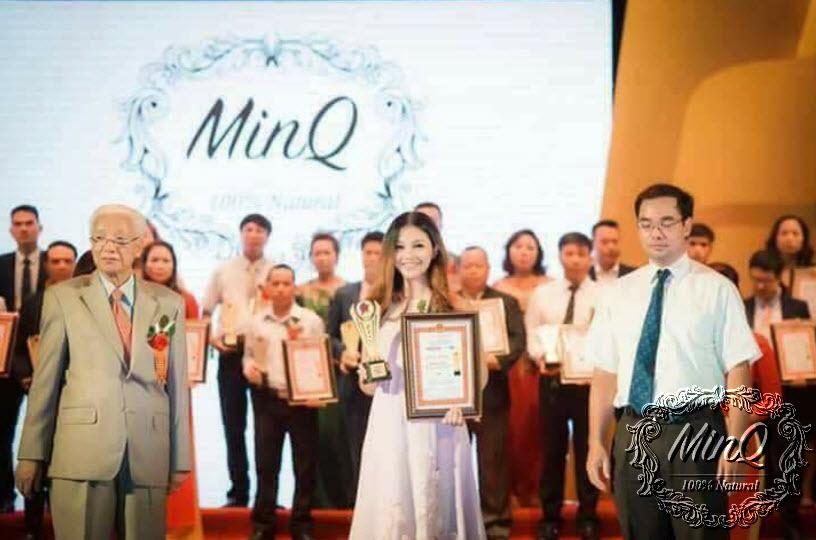Cty TNHH MinQ Natural nhận giải thưởng Sản phẩm tin cậy dịch vụ hoàn hảo 2017